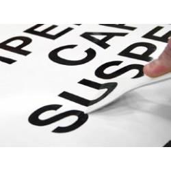 Espátula para levantar vinilo usada para recolocar una letra