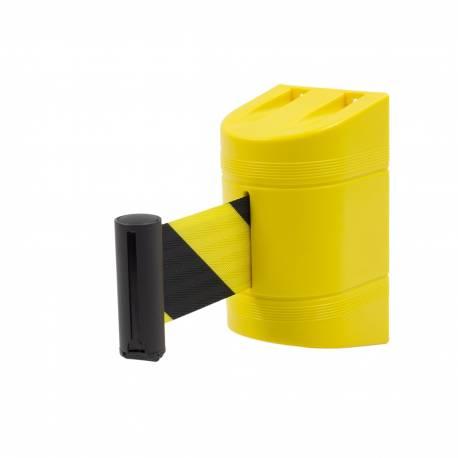 Cinta extensible de seguridad con soporte de pared y cinta amarilla y negra.
